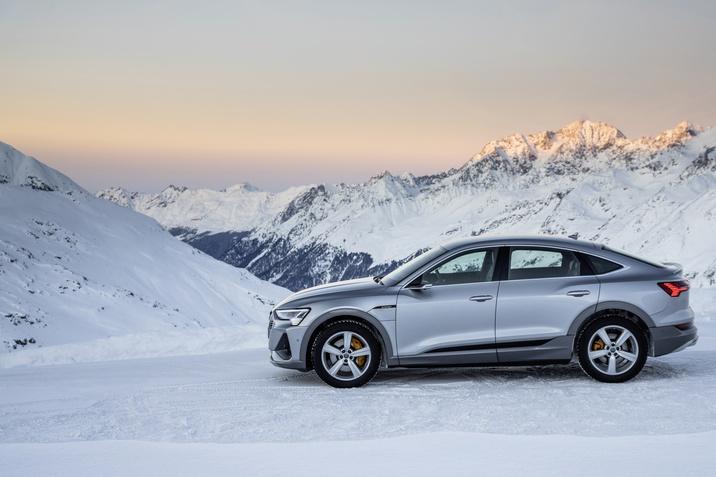 Audi e-tron im Winter